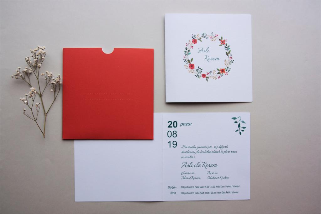 kırmızı zarflı katlanabilir beyaz davetiye
