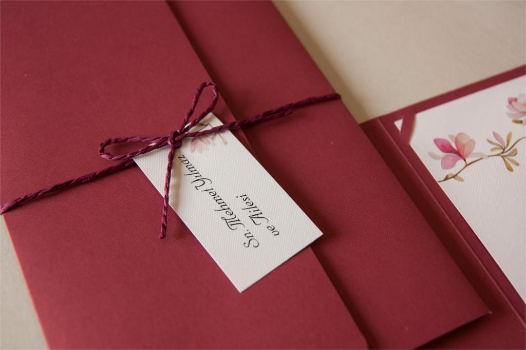 kırmızı zarflı davetiye