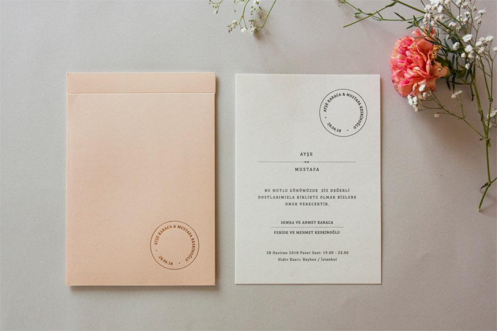 pudra renk zarflı sade davetiye