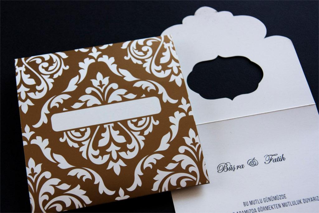 pencereli kahverengi beyaz davetiye