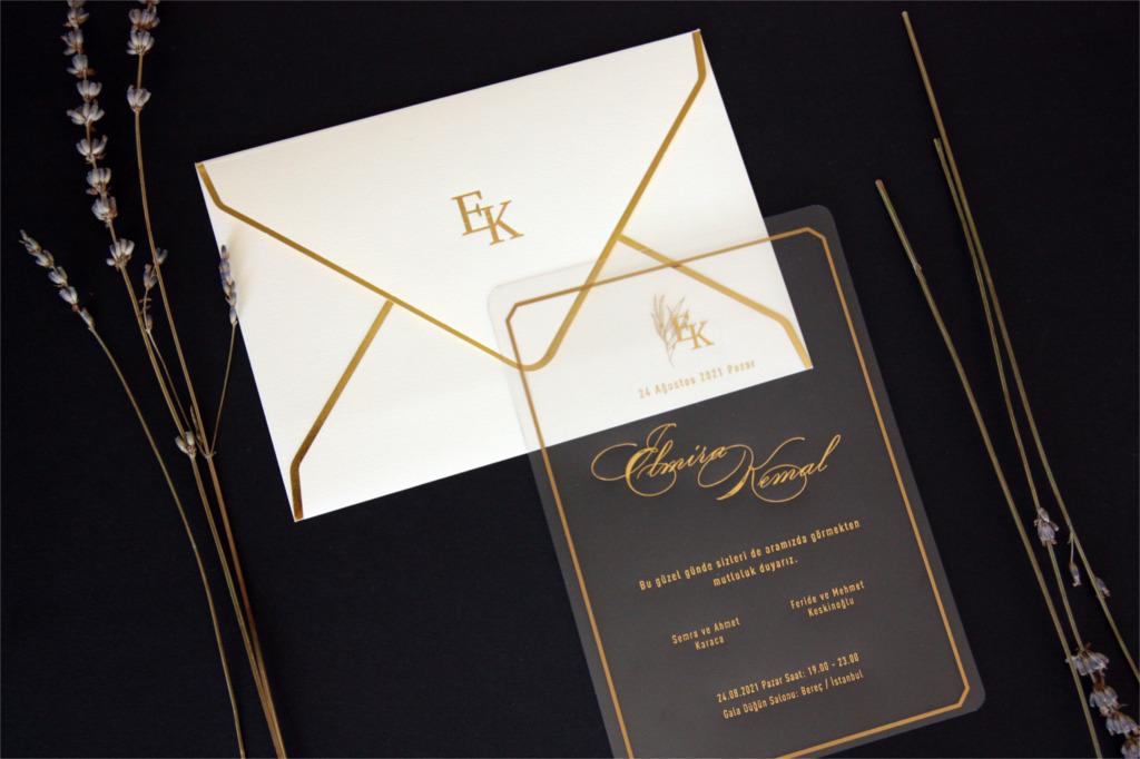 altın yaldızlı düğün davetiyesi